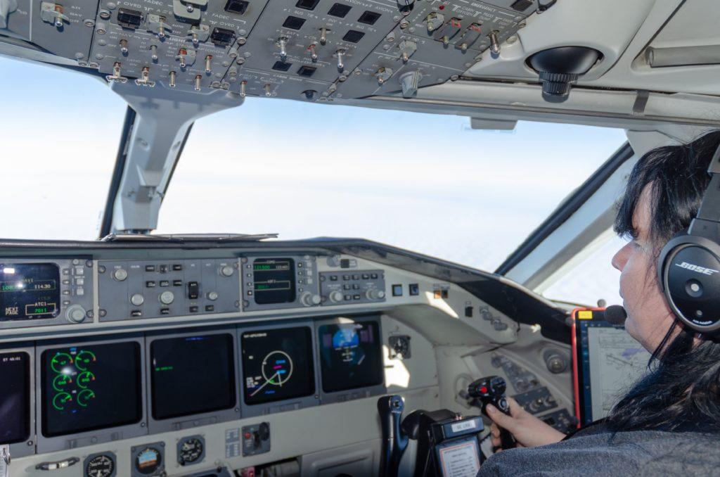 Saab 2000 cockpit