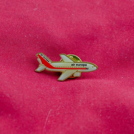 Air Europa old livery aircraft pin
